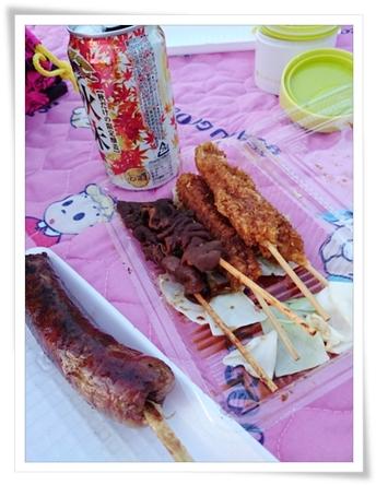お祭りグルメの味噌串カツとフランクフルト♪