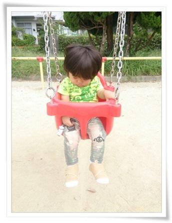 子育て支援行事のあと公園で遊ぶユラ♪